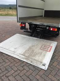 100 E30 Truck Used Renault Master 16535 CC C Closed Box With Cargo Lift