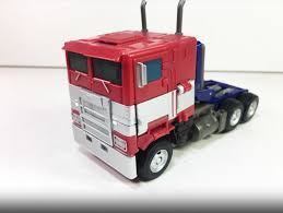 100 Optimus Prime Truck Model Transformers Bumblebee Movie Studio Series 38 First