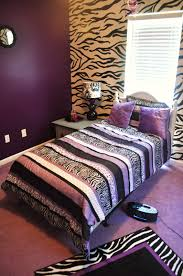 Zebra Bedroom Decor by Bedroom Simple And Neat Gray And Purple Bedroom Decoration Using