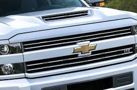100 Hood Scoops For Trucks GM Itself With L5P Duramax Output 445 Hp 910 Lbft