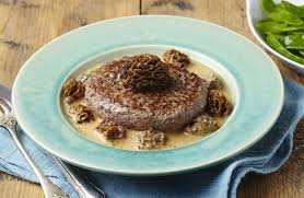 cuisiner les morilles steak haché de boeuf à la crème de morilles recettes de cuisine