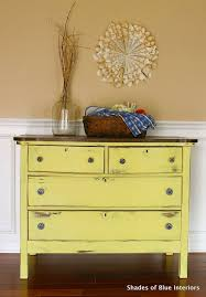 I Love Me Some Yellow Shades Of Blue Interiors Makeover Monday Sunny