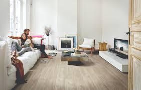 wie wählt den besten bodenbelag für das wohnzimmer aus