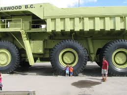 Minivan Stiletto: Family Holidays - Big Green Dump Truck