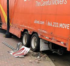 100 Moving Truck Company The Day Truck Snaps Sign Runs Onto Plaza In New London