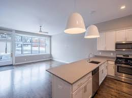 2 Bedroom Apartments For Rent In Milwaukee Wi by Apartments For Rent In Bay View Milwaukee Zillow