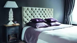 chambre avec tete de lit capitonn tete de lit velours taupe ordinaire chambre avec capitonnee