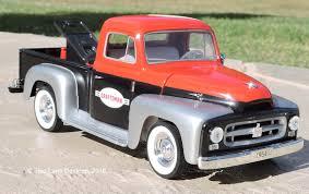 Liberty Classics 1:24 1954 International Pickup