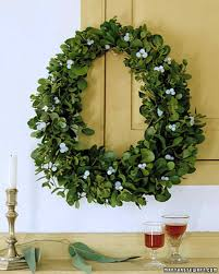 Types Of Christmas Tree Leaves by How To Make A Wreath Martha Stewart
