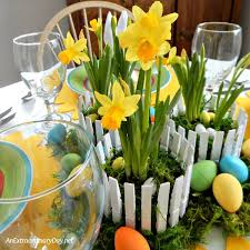 Daffodil Inspired Easter Centerpiece That Is Easy And Inexpensive To Create