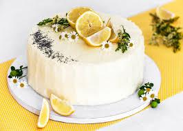 Hochzeitstorte Mit Erdbeeren Und Limetten Zitronen Mohn Torte Hochzeitstorte Teil 1 Brotundkuchen