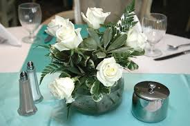 Floral Centerpieces For Dining Room Tables by 33 Extravagant Floral Arrangements For Your Dining Table Inside