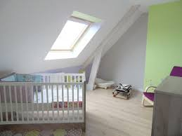 chambre bébé mansardée awesome idee chambre bebe mansardee 2 pictures lalawgroup us