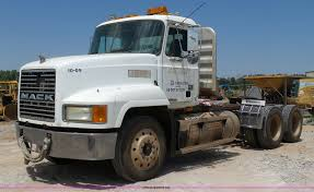 1998 Mack CH613 Maxicruise Semi Truck | Item K7043 | SOLD! S...