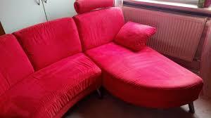 gut erhaltene wohnzimmer halbrund rot