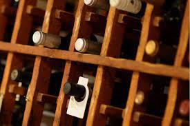 104 White House Wine Cellar Anaheim Restaurant In Anaheim Ca Dirona Awarded Restaurant Dirna