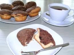schoko muffins kräftiges schoko chips herz in zartem vanillemantel oder kuchen im glas