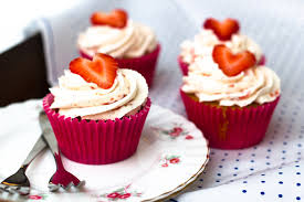 Strawberries and Cream Cupcakes700