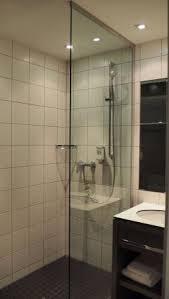 alte flecken am teppichboden im zimmer haare im badezimmer
