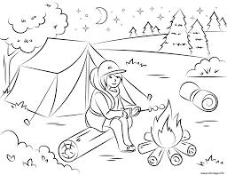 Coloriage Camping Fille Chauffe Des Guimauves Ete Vacance Dessin