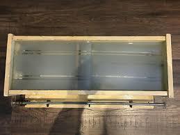 alter hängeschrank küche bad 70er regal holz garderobe