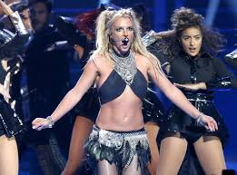 Britney Spears Wardrobe Malfunction Didn t Stop Her From Dancing