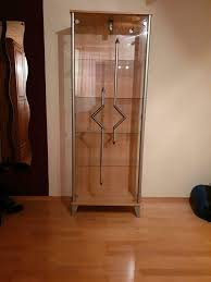 glasvitrine wohnzimmer möbel glas vitrine holz deko