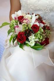 a type of bridal bouquet using red and green and white that i do not