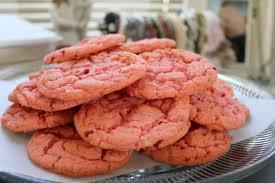strawberry cake cookie