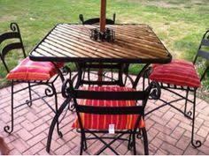 Right at Home $20 Patio Table Redo} This is perfect to repair