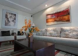 wohnzimmertisch dekorieren deko ideen für tisch mit schublade