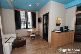 New York Hotels With Family Rooms by Nyc Hotel Rooms That Sleep Six Or More Oyster Com