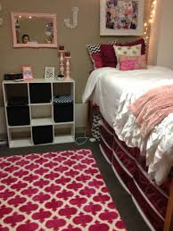 Lilly Pulitzer Bedding Dorm by 15 Amazing Dorm Room Pictures That Will Make You Excited For