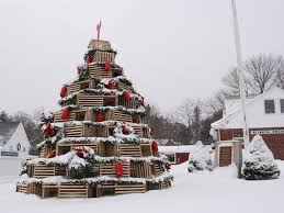 Decorative Lobster Trap Uk by This Is A Thing Lobster Trap Christmas Trees Are Serious Business