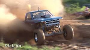 Bad Ass Chevy S10 / 6-23-12 / Wards Mud Bog - YouTube