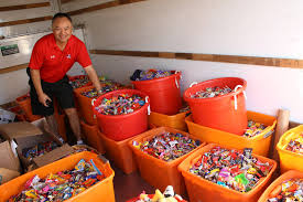 Donate Leftover Halloween Candy To Our Troops by Cash For Halloween Candy Dentists U0027 Buyback Program Is Booming