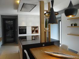 cuisine avec poteau au milieu deco maison cuisine ouverte