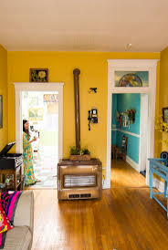 Two Tone Walls No Chair Rail by Best 25 Yellow Walls Ideas On Pinterest Yellow Rooms Yellow