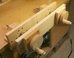 a moxon vise build from bench top wood working tools