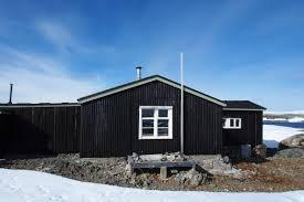 100 Antartica Houses FileWordie House Antarcticajpg Wikimedia Commons