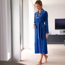 robe de chambre velours blancheporte peignoir col châle velours brodé nuit