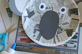 Read All About It Paper Craft Ideas With Newspaper Flowers Daisies For Kids
