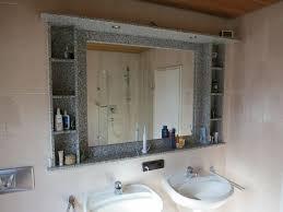 bad i wc i spiegel i möbel i wand i einbau i regale i granit