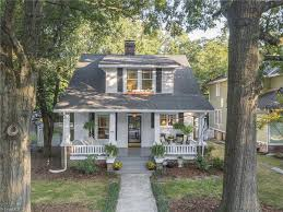 Bed And Biscuit Greensboro Nc by 110 Cypress St Greensboro Nc 27405 Mls 850400 Redfin