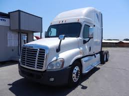 HEAVY DUTY TRUCK SALES, USED TRUCK SALES: Commercial Truck Leasing ... Trucks Landstar Semi Trucks Diesel Smoke Pinterest And Rigs Volvo Truck Fancing Usa Commercial 18 Wheeler Loans Guaranteed Heavy Duty Services In Calgary Used Semi For Sale New Electric Class 8 Truck 1000 Hp 1200mile Range Ordrive Pin By Lori Hall On Wheelers Kenworth Jordan Sales Inc No Money Down Interest Off Lease