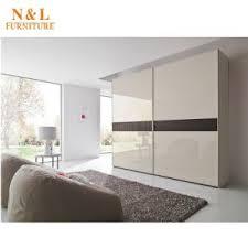 modèles de placards de chambre à coucher chambre à coucher en bois d accueil dessins et modèles penderie