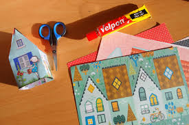 Table Cottage Craft Paper Cut Art Tinkering Folding Scissors Hand Made Glue Child
