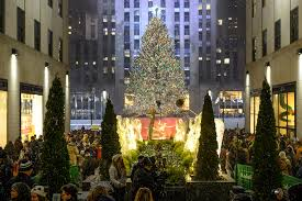 Rockefeller Christmas Tree Lighting 2014 by Christmas In New York Guide Including Festive Events And Shows
