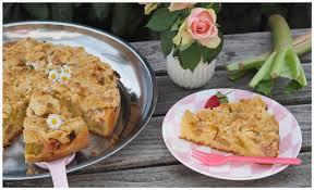 rhabarber kuchen mit streuseln