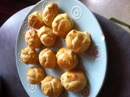 petits choux fourrés recette de petits choux fourrés marmiton